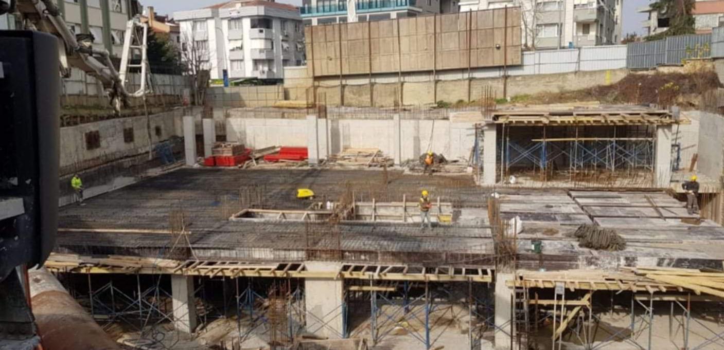 Tarikata teslim edilen parkta jet hızıyla inşaat