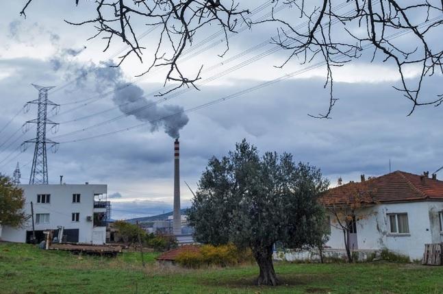İzmirliler halk sağlığını tehdit eden hava kirliliği ölçüm verilerine 2 yıldır ulaşamıyor