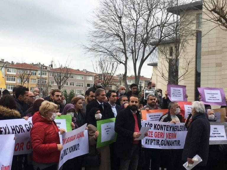 """Kirazlıtepeliler yine Üsküdar Belediyesi önündeydi: """"Yaşam alanımızı çöpe dönüştürdünüz, zehir soluyoruz"""""""
