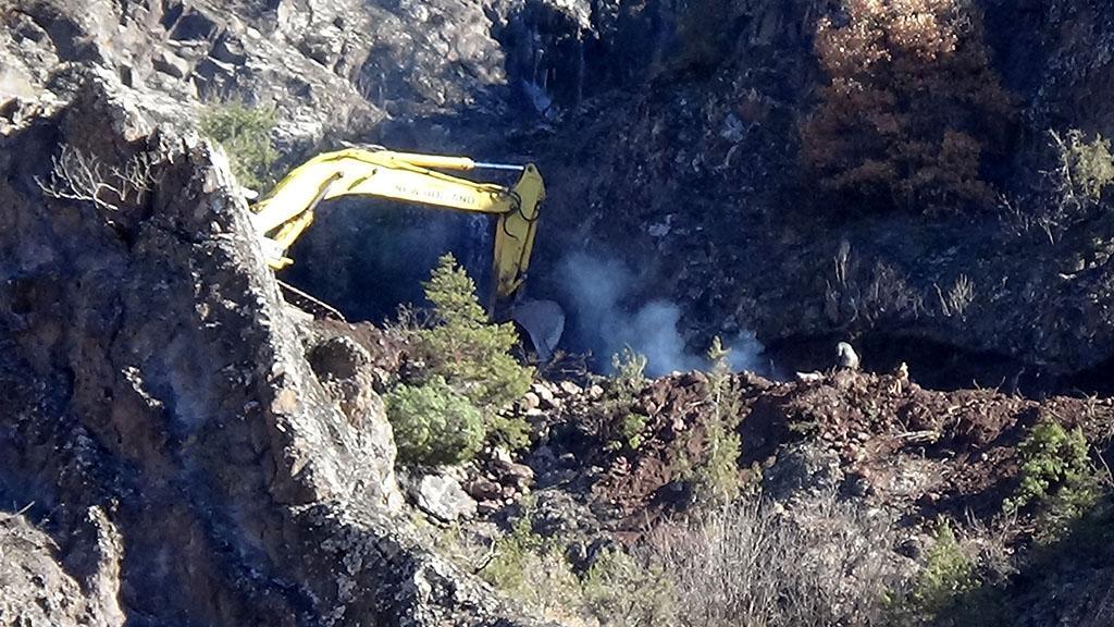 Mermer ocağı yağması eşsiz Zigana dağı zirvelerini delik deşik ediyor