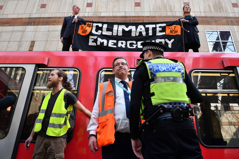"""İngiltere'den sonra İrlanda da iklim için """"acil durum"""" ilan etti"""