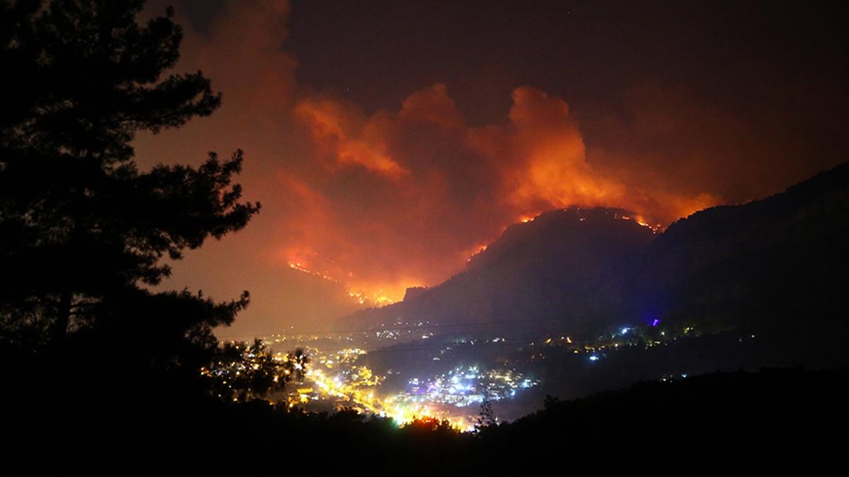 AKP orman yangınlarını da özelleştirilmiş: Ne kadar yanarsa o kadar para ödüyoruz!