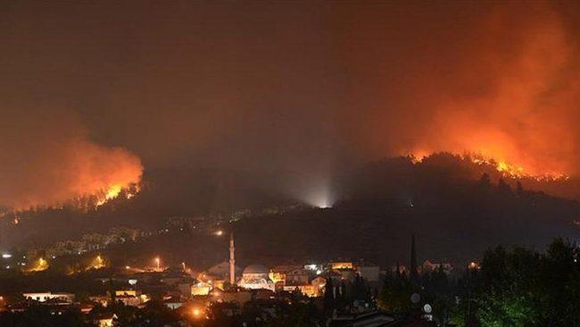 """""""20 günde 200 orman yangını çıktı, Hala Maliye yangın işçilerinin çalıştırılması için vize vermiyor."""""""