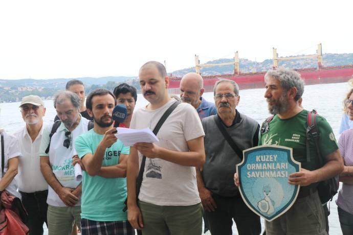 Hasankeyf için Marmara Denizi'ne atladılar