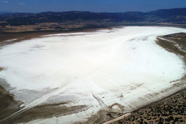 Göller Bölgesi'ndeki bir gölü daha kuruttular: Akgöl çöle dönüştü