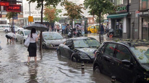 """Yeni Araştırma: Türkiye Endişeli """"Çünkü Afetler Artıyor, İklim Konusunda Çabalar ise Yetersiz"""""""