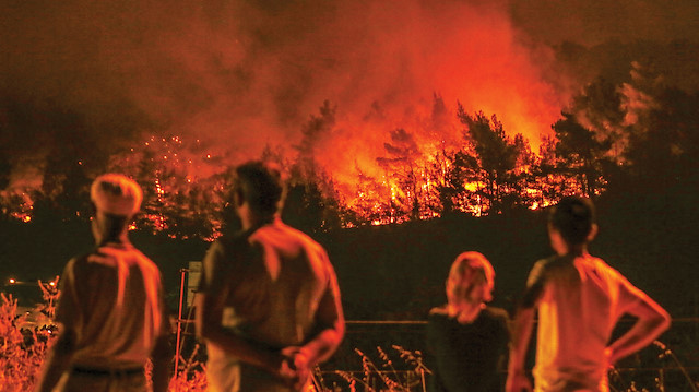CHP'li Bakan İzmir'deki orman yangınındaki ihmalleri anlattı
