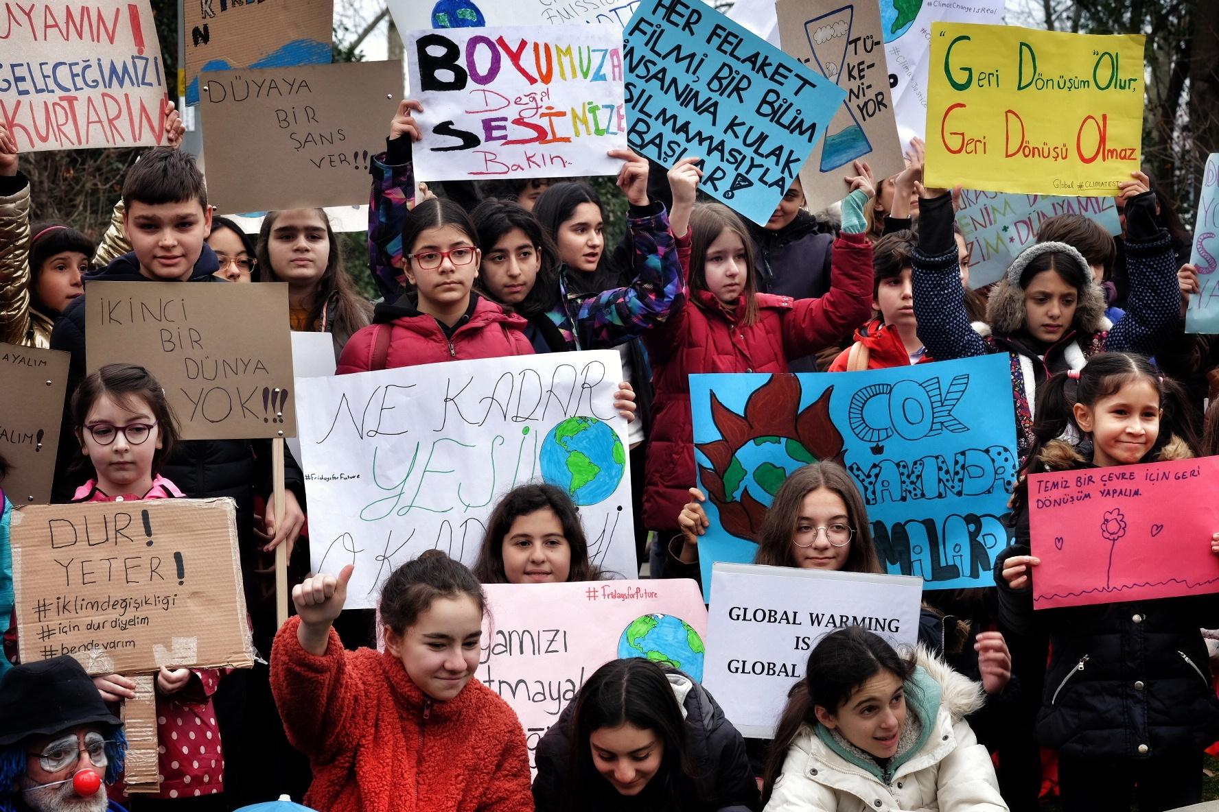 20 Eylül iklim grevinde, iklim krizine karşı somut adımlar atılması için Kadıköy'deyiz!