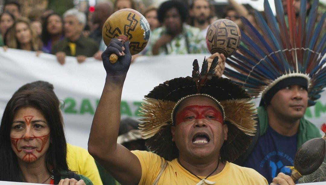 Amazonlar İçin Harekete Geçme Çağrısı: Perşembe akşamı saat 7'de Kadıköy Bahariye'de Süreyya Operası'nın önünde