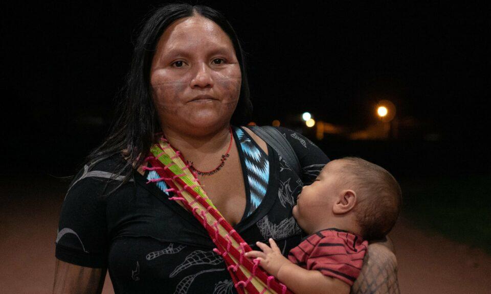 """""""Ağaçlar Ağlıyor"""": Kadınlar Amazonları Savunuyor"""
